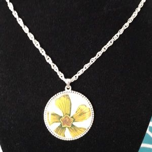 "Jewelry - Lovely Flower Pendant on 28"" Triple Link Chain"